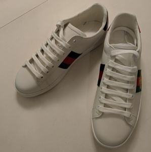 Gucci White Sneakers with Gold Bee